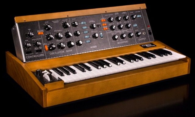 Minimoog Model D Is In Full Production Again