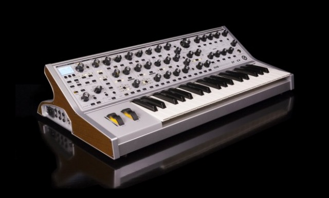 New Moog Synth - Subsequent 37 CV